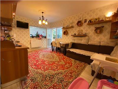 Apartament de vanzare 2 camere pe strada Florilor!