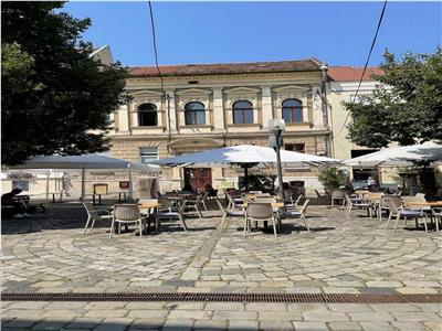 Spatiu in Piata Muzeului ideal Bistro/restaurant/Cafenea
