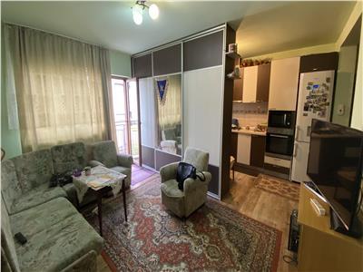 Apartament 3 camere, mobilat si utilat, parcare, zona Sub Cetate