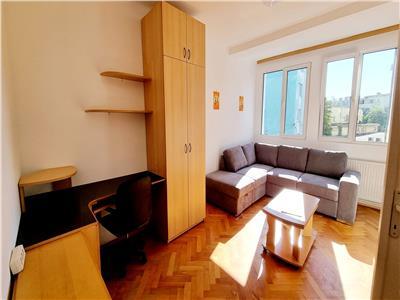 Apartament 2 camere semidecomandat,