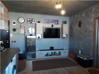 Apartament 2 camere, parcare, zona de case!