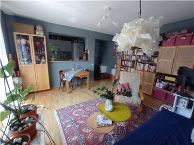 Apartament 2 camere semidecomandate, zona strazii Eroilor!