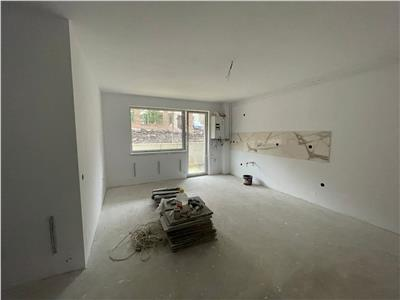 Apartament 3 camere, semifinisat, terasa, parcare, zona strazii Fagului!