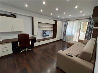 Apartament 2 camere mobilat si utiliat,,parcare subteran, boxa,  zona Stejarului.