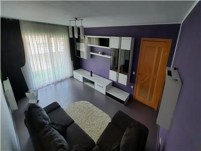 Apartament 3 camere, decomandat mobilat si utilat, parcare, zona Porii