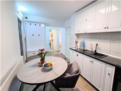 Apartament cu 3 camere in zona Piata Cipariu