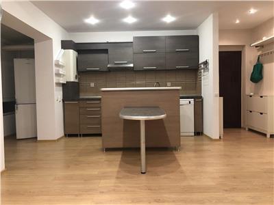 Apartament de vanzare pe 2 nivele , 3 camere, cu parcare zona Florilor!