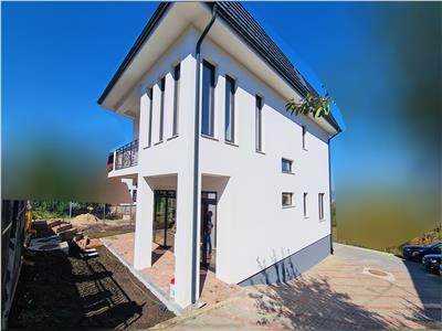 Casa 6 camere,190mp,2balcoane,parcare, Calea Turzii, zona Petrom