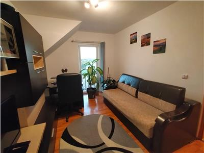 Apartament decomandat, 2 camere mobilat si utiliat, zona Muzeul Apei