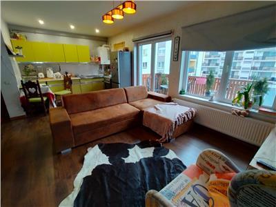 Apartament 2 camere mobilat si utiliat, parcare, zona Vivo