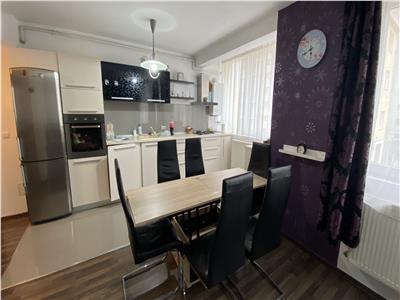 Apartament 2 camere, mobilat si utilat, parcare, zona Florilor