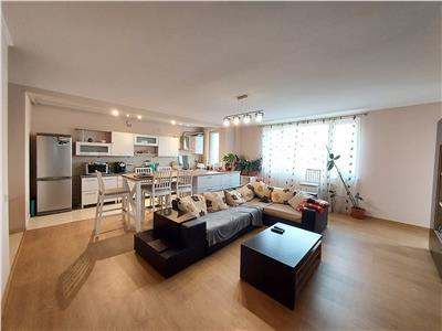 Apartament 3 camere, 2 bai, parcare, zona Profi!