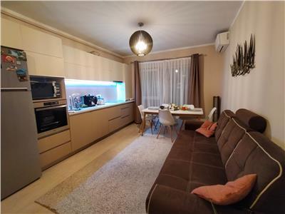 Apartament  4 camere, utilat, mobilat modern, parcare zona Sesul de Sus.