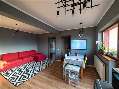 Apartament 3 camere boxa parcare zona Sub Cetate!