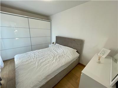 Apartament 2 camere, decomandat, A.C., lift, terasa, bloc nou, zona strazii Razoare!
