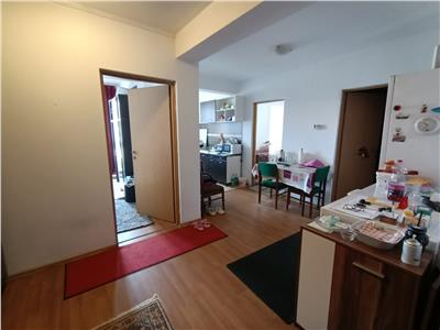 Apartament 3 camere, finisat, zona Sub Cetate langa parcul Poligon!
