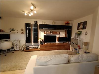 Apartament 2 camere mobilat modern, utilat, parcare, zona Sesul de Sus!