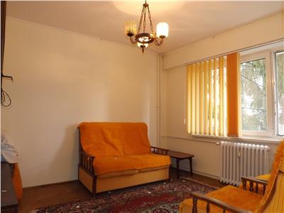 Apartament 3 camere decomandat 78 mp, Aleea Muscel