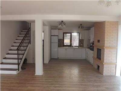 Casa cu 4 camere de vanzare in Borhanci