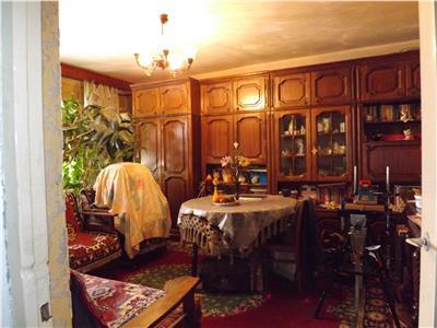 Vaznzare apartament 4 camere  zona Farmec