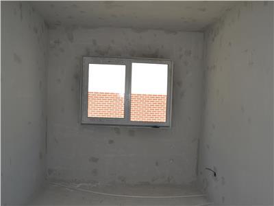 Apartamente/duplexuri de vanzare in Dambul Rotund