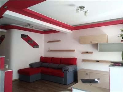 Apartament spatios, 3 camere, 2 bai, zona Florilor, Floresti!