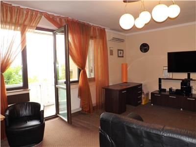Vanzare apartament 3 camere in casa cu trei apartamente  zona Gruia